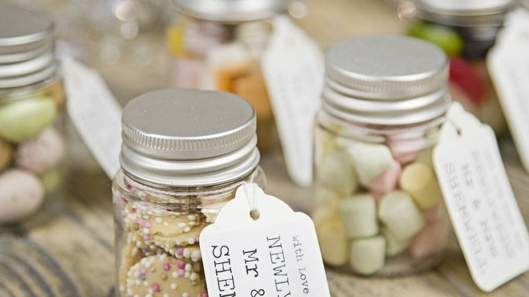 Favourable Wedding Favours