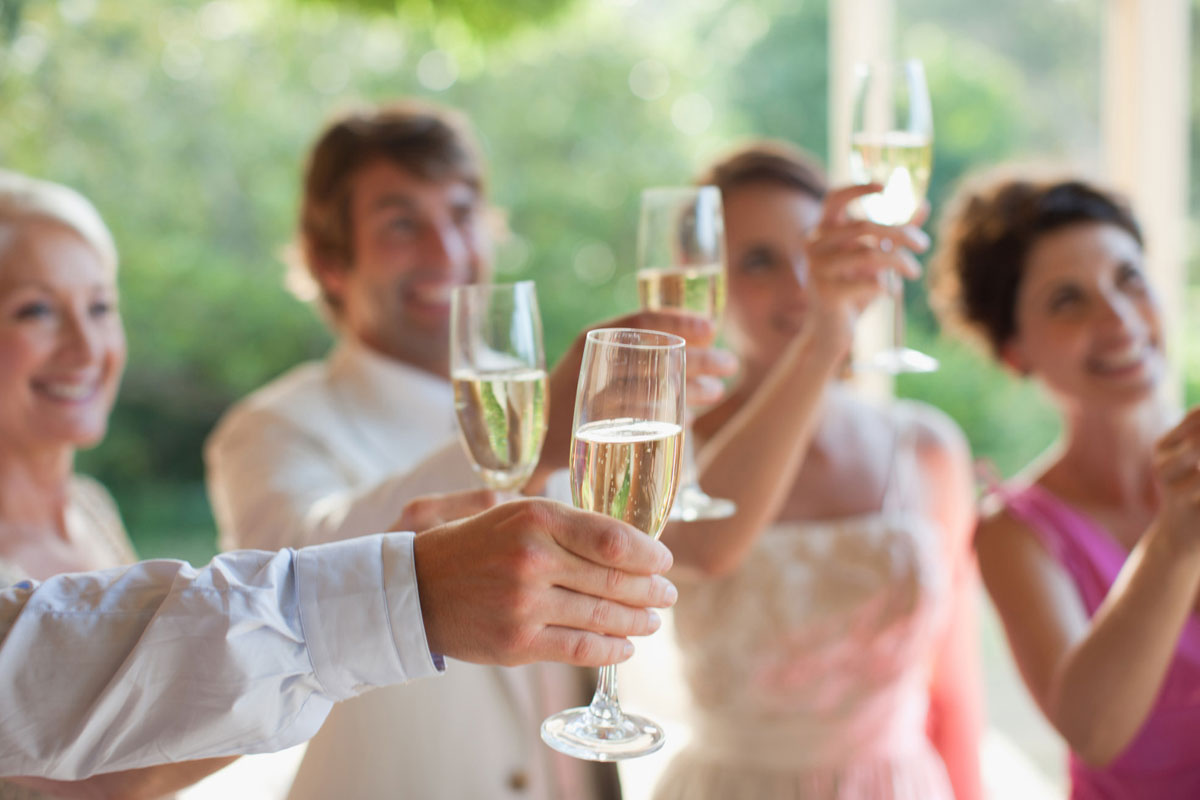 Tips and Tricks for Writing a Best Man Speech
